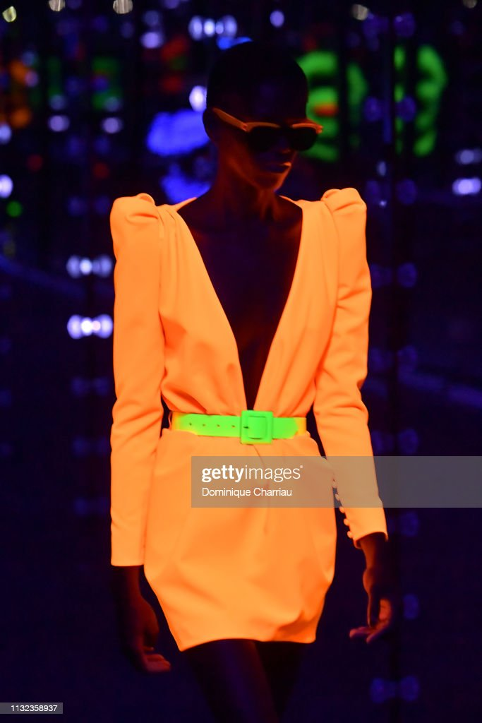 Saint Laurent : Runway - Paris Fashion Week Womenswear Fall/Winter 2019/2020 : News Photo