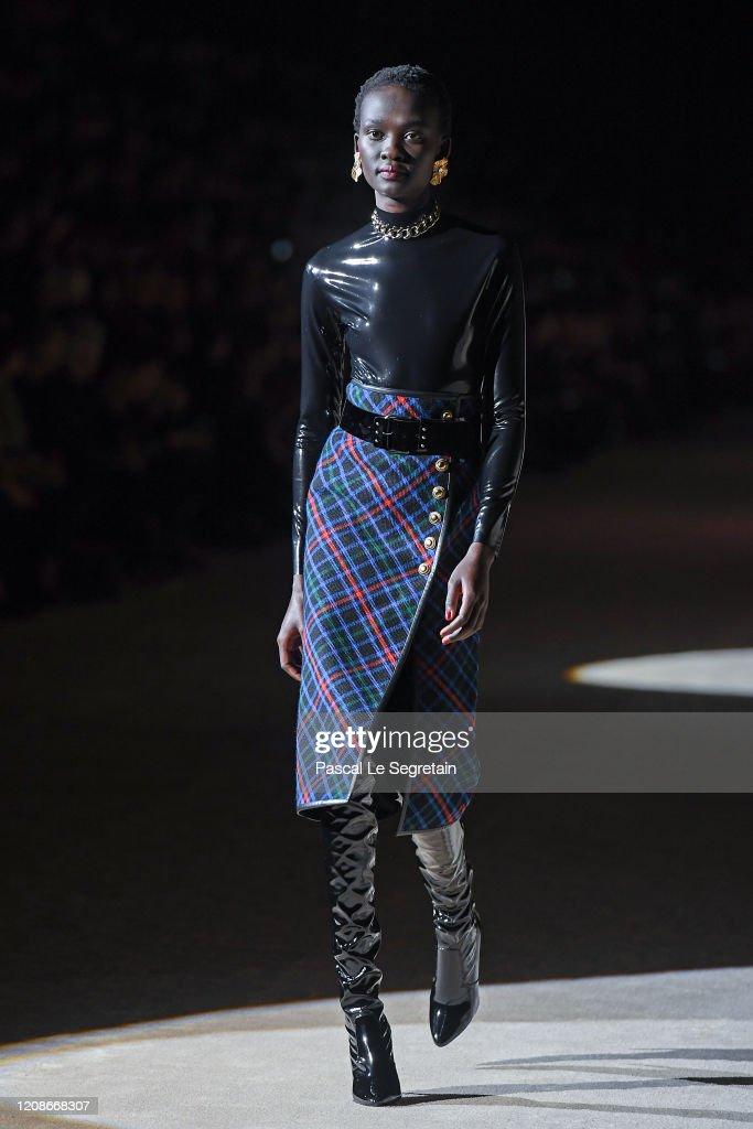 Saint Laurent : Runway - Paris Fashion Week Womenswear Fall/Winter 2020/2021 : News Photo