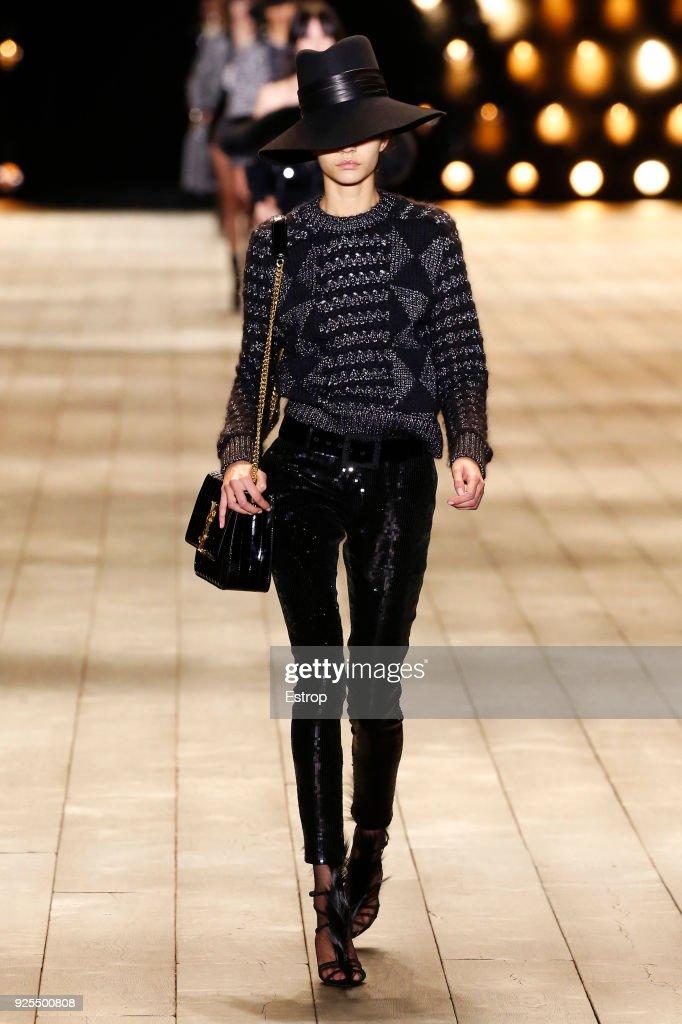 Saint Laurent : Runway - Paris Fashion Week Womenswear Fall/Winter 2018/2019 : News Photo
