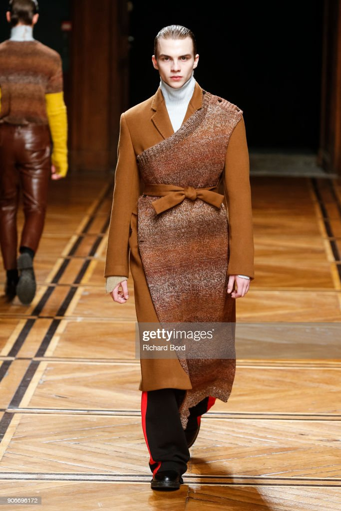 Sean Suen : Runway - Paris Fashion Week - Menswear F/W 2018-2019