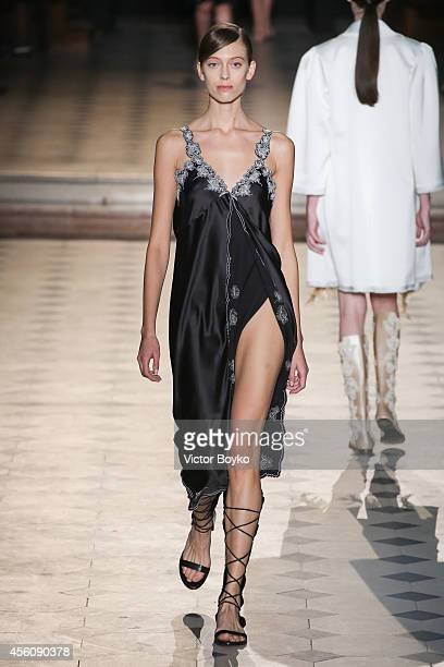 Model walks the runway during the Sharon Wauchob show as part of the Paris Fashion Week Womenswear Spring/Summer 2015 on September 25, 2014 in Paris,...