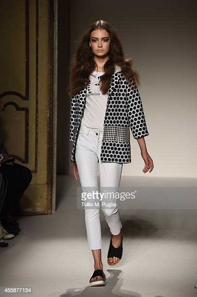 A model walks the runway during the Simonetta Ravizza show as a part of the Milan Fashion Week Womenswear Spring/Summer 2015 on September 21 2014 in...