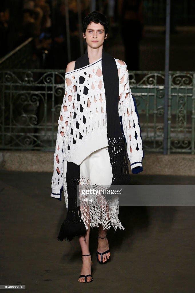Sonia Rykiel : Runway - Paris Fashion Week Womenswear Spring/Summer 2019 : ニュース写真
