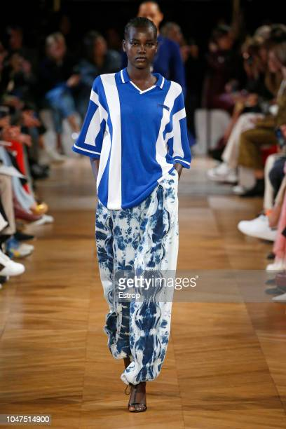 Model walks the runway during the Stella McCartney show as part of the Paris Fashion Week Womenswear Spring/Summer 2019 on October 1, 2018 in Paris,...