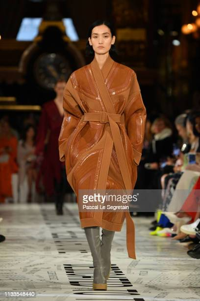 A model walks the runway during the Stella McCartney show as part of the Paris Fashion Week Womenswear Fall/Winter 2019/2020 on March 04 2019 in...