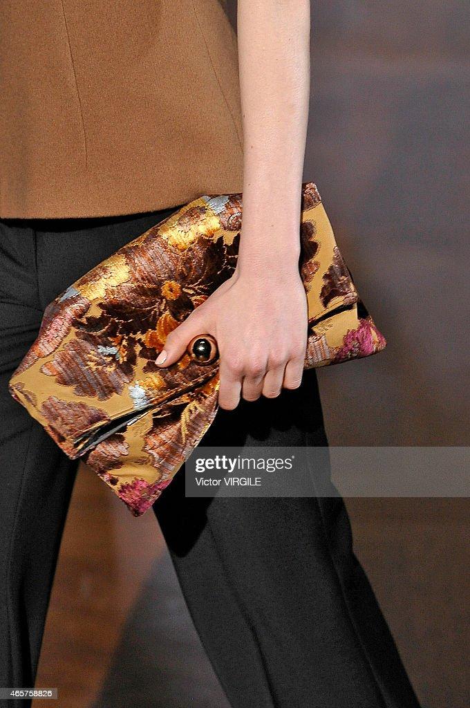 Stella McCartney : Runway - Paris Fashion Week Womenswear Fall/Winter 2015/2016 : News Photo