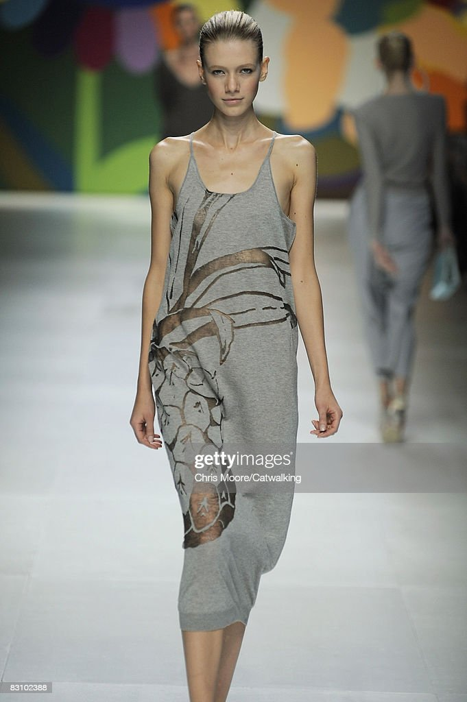 Stella McCartney in The Week of The Fashion of Paris Spring-Summer 2008