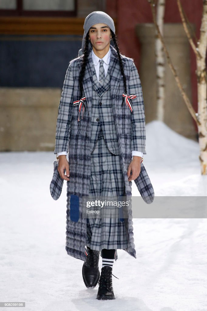 Thom Browne : Runway - Paris Fashion Week - Menswear F/W 2018-2019 : ニュース写真