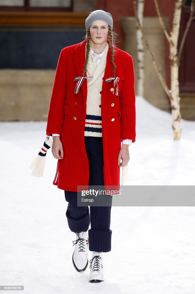 Thom Browne : Runway - Paris Fashion Week - Menswear F/W 2018-2019 : Fotografía de noticias