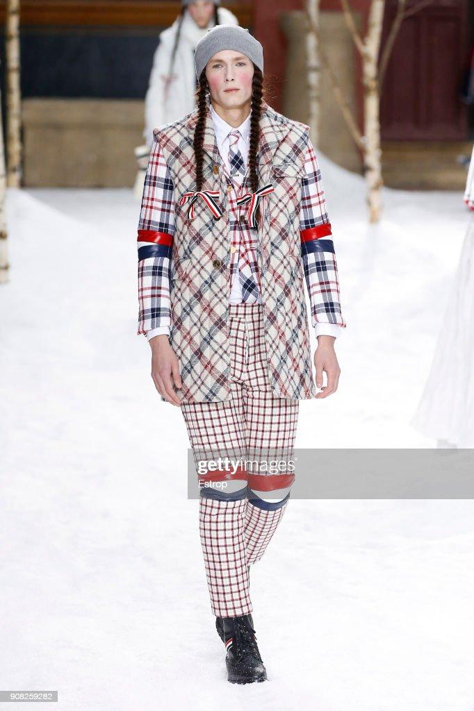 Thom Browne : Runway - Paris Fashion Week - Menswear F/W 2018-2019 : ニュース写真