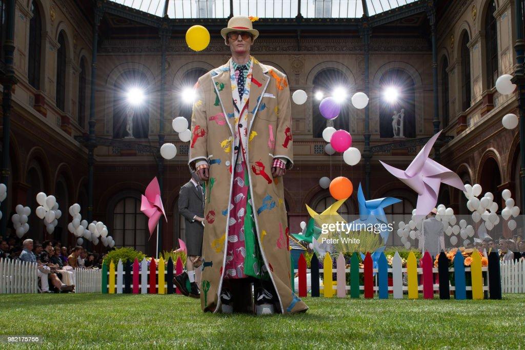 Thom Browne: Runway - Paris Fashion Week - Menswear Spring/Summer 2019