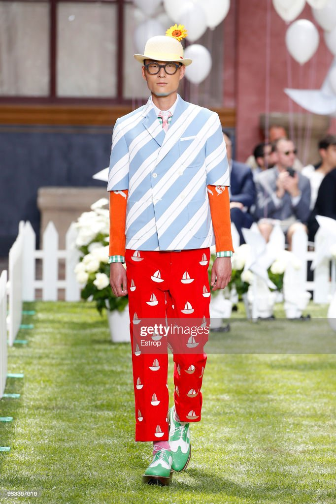 Thom Browne: Runway - Paris Fashion Week - Menswear Spring/Summer 2019 : News Photo