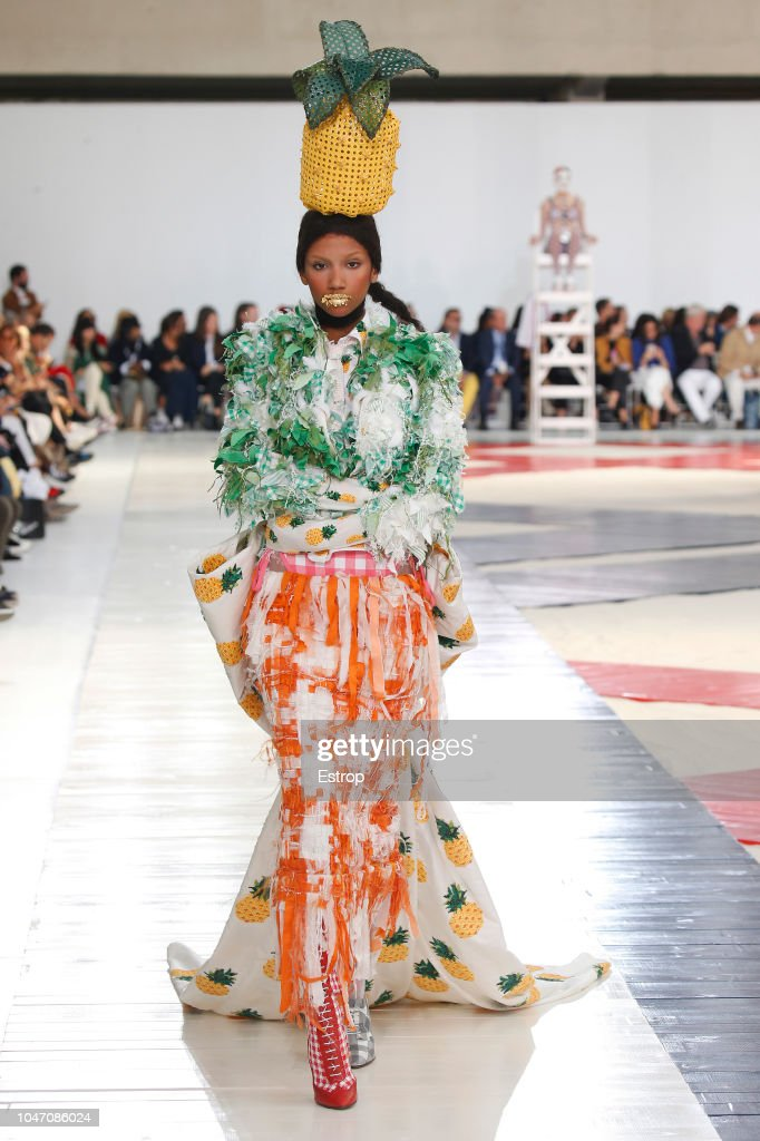 Thom Browne : Runway - Paris Fashion Week Womenswear Spring/Summer 2019 : ニュース写真