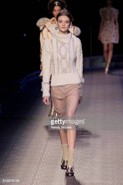 A model walks the runway during the Tommy Hilfiger Women's runway show during Fall 2016 New York Fashion Week at Park Avenue Armory on February 15...