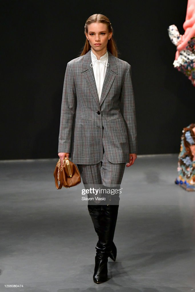 Tory Burch Fall Winter 2020 Fashion Show - Runway : ニュース写真