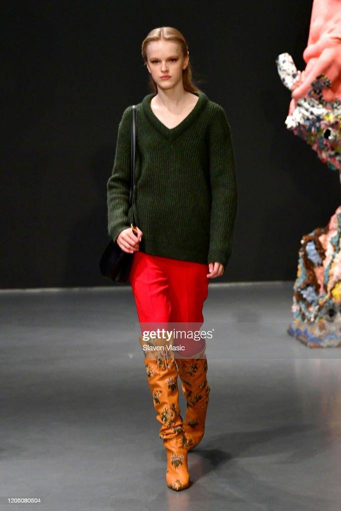 Tory Burch Fall Winter 2020 Fashion Show - Runway : ニュース写真