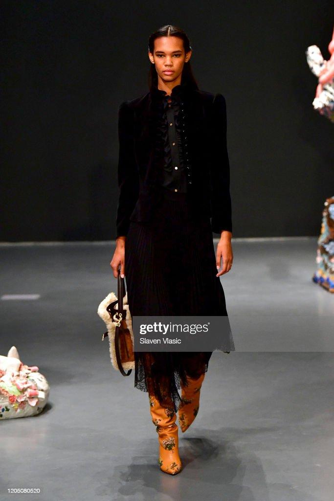 Tory Burch Fall Winter 2020 Fashion Show - Runway : News Photo