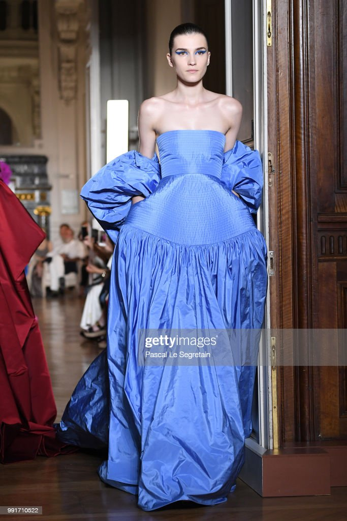 model-walks-the-runway-during-the-valentino-haute-couture-fall-winter-picture-id991710522