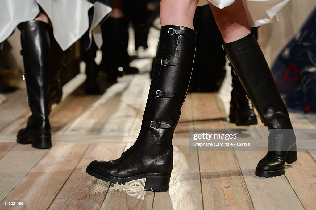 Valentino : Runway - Paris Fashion Week : Haute Couture F/W 2016-2017 : News Photo