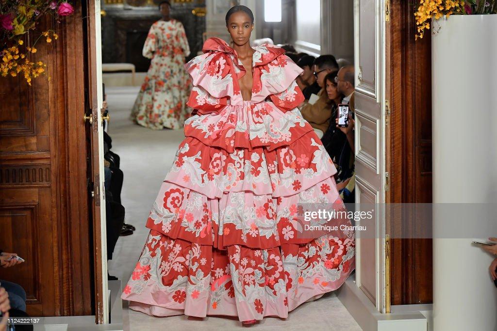 Valentino : Runway - Paris Fashion Week - Haute Couture Spring Summer 2019 : ニュース写真