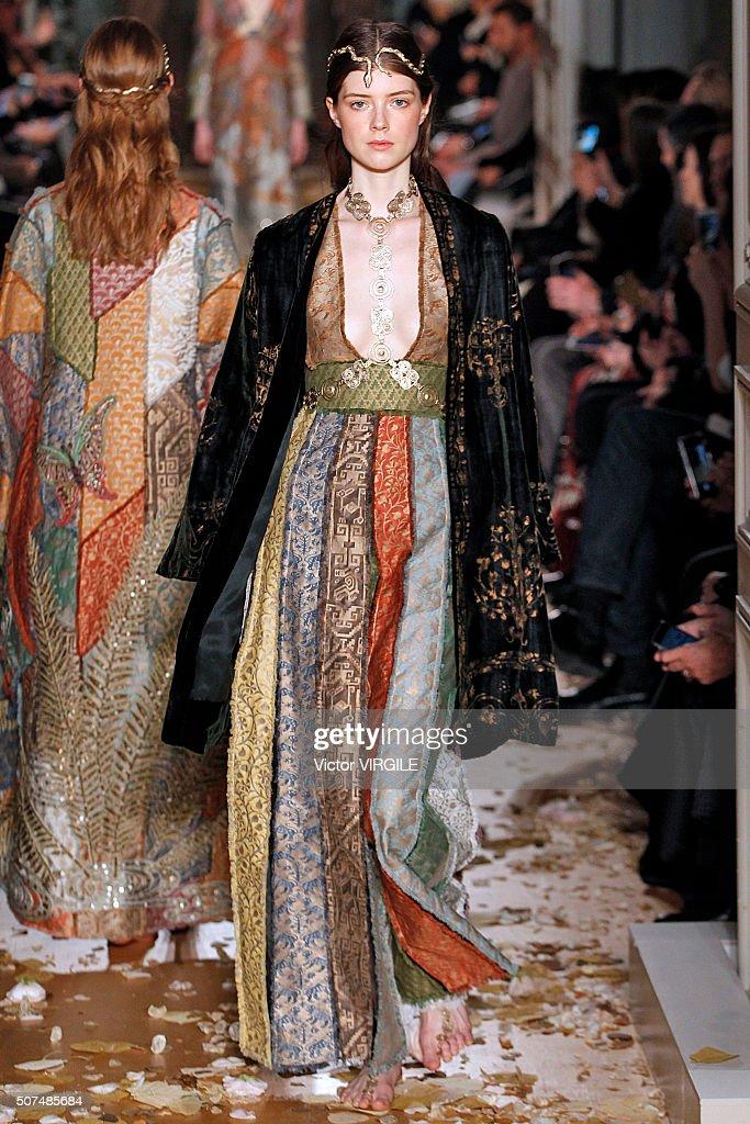 Super Valentino : Runway - Paris Fashion Week - Haute Couture Spring  TK27