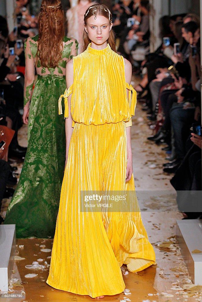 Valentino : Runway - Paris Fashion Week - Haute Couture Spring Summer 2016 : News Photo
