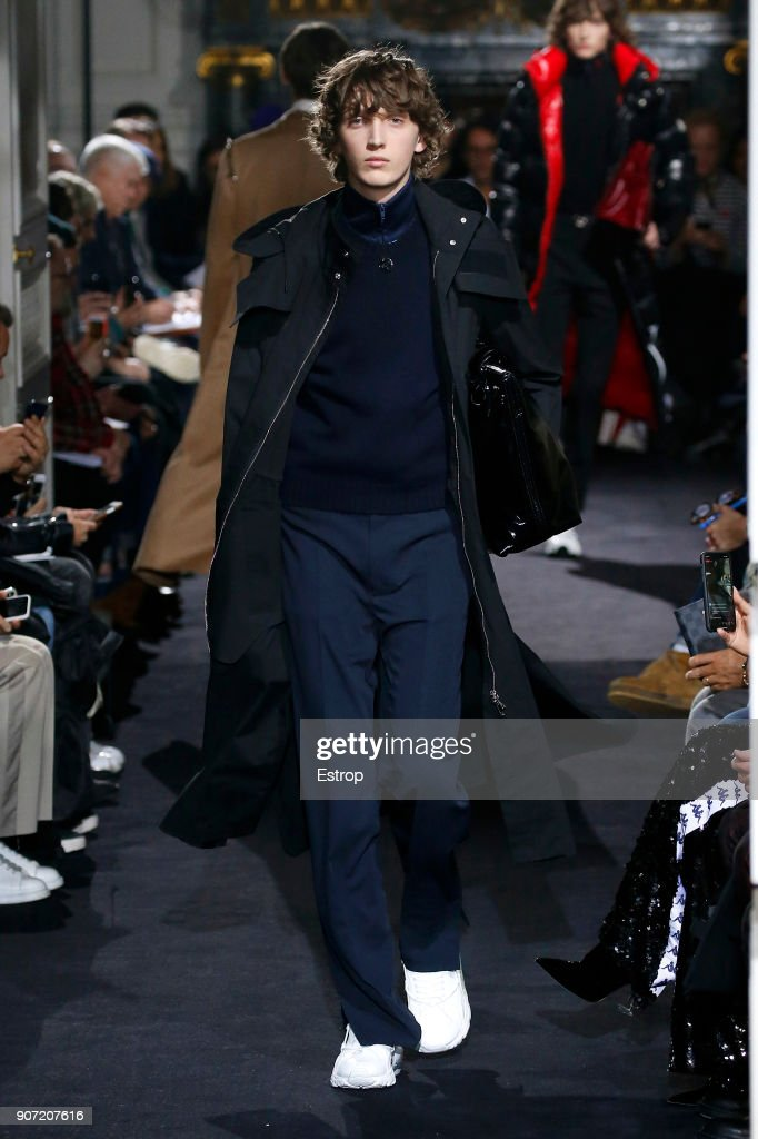 Valentino : Runway - Paris Fashion Week - Menswear F/W 2018-2019 : ニュース写真