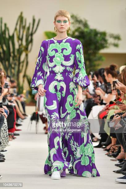 Model walks the runway during the Valentino show as part of the Paris Fashion Week Womenswear Spring/Summer 2019 on September 30, 2018 in Paris,...
