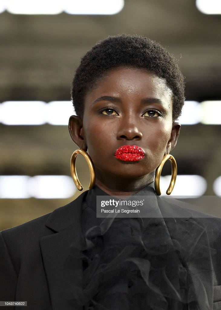 Valentino : Runway - Paris Fashion Week Womenswear Spring/Summer 2019 : News Photo