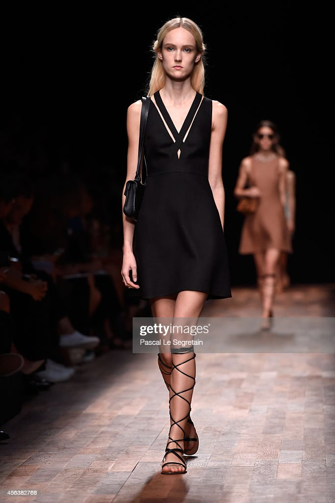 Valentino : Runway - Paris Fashion Week Womenswear Spring/Summer 2015 : News Photo