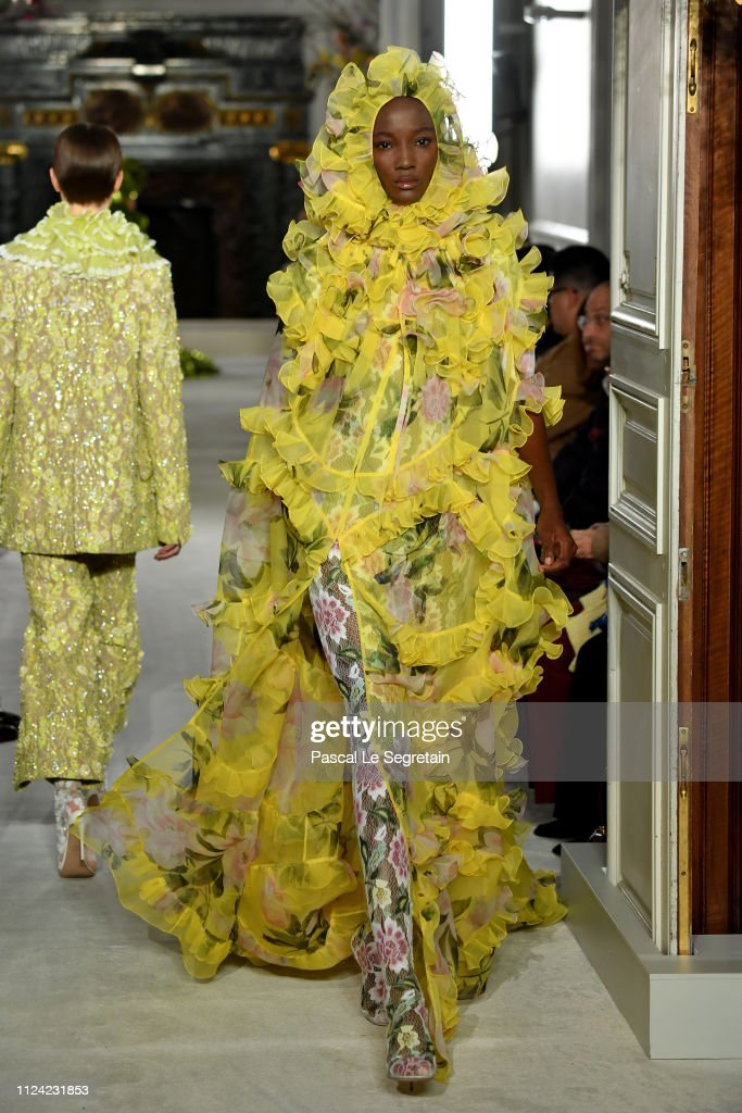 Valentino : Runway - Paris Fashion Week - Haute Couture Spring Summer 2019 : News Photo