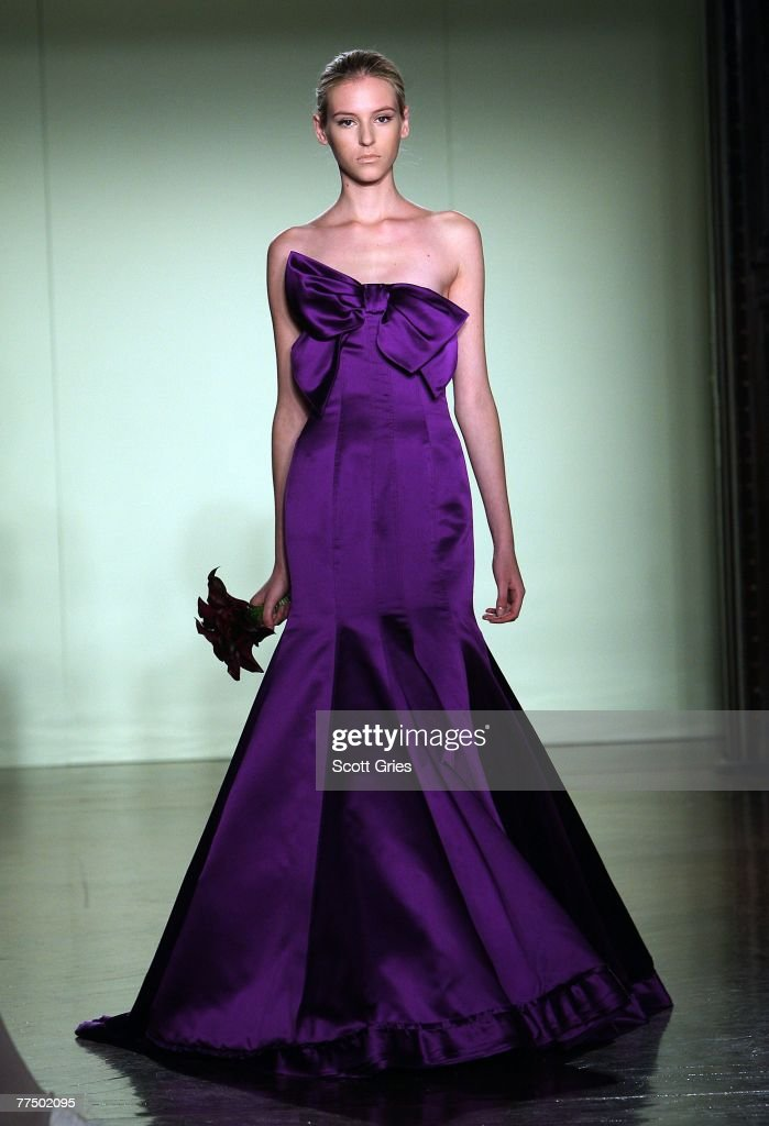 Moderno Wang Vestidos De Novia Corto Vera Ideas Ornamento ...