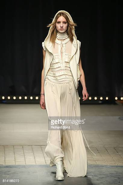 A model walks the runway during the Veronique Branquinho show as part of the Paris Fashion Week Womenswear Fall/Winter 2016/2017 on March 7 2016 in...