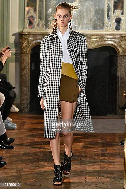 A model walks the runway during the Veronique Leroy Ready to Wear show as part of Paris Fashion Week Womenswear Spring/Summer 2016 on October 3 2015...