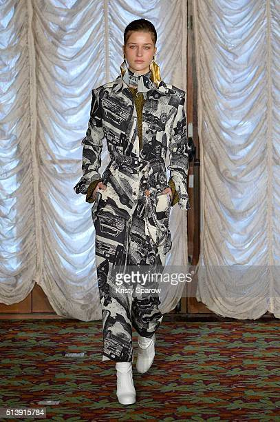 Model walks the runway during the Veronique Leroy show as part of Paris Fashion Week Womenswear Fall/Winter 2016/2017 on March 5, 2016 in Paris,...