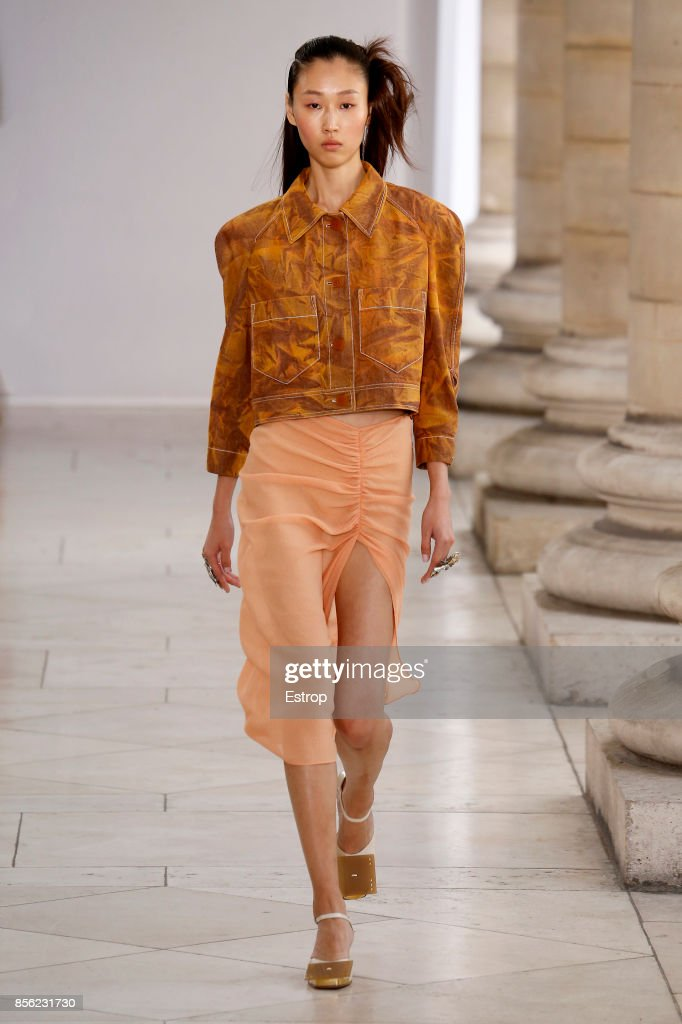 Veronique Leroy : Runway - Paris  Fashion Week Womenswear Spring/Summer 2018 : ニュース写真