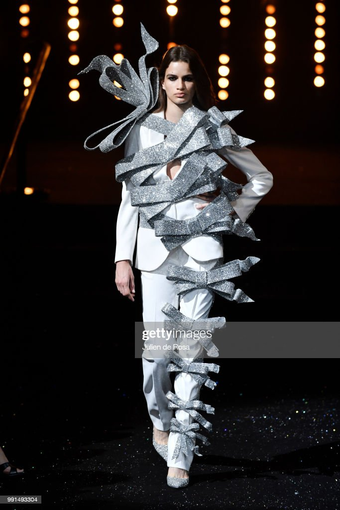 model-walks-the-runway-during-the-viktor-rolf-haute-couture-fall-picture-id991493304
