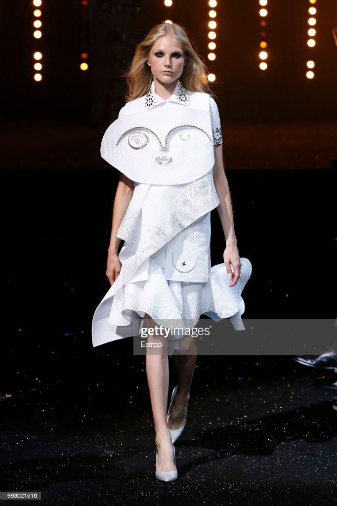model-walks-the-runway-during-the-viktor-rolf-haute-couture-fall-picture-id993021516