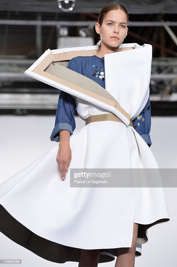 Viktor & Rolf : Runway - Paris Fashion Week - Haute Couture Fall/Winter 2015/2016 : Foto di attualità