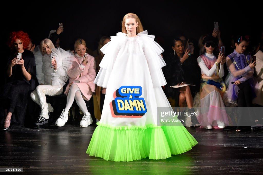 Viktor & Rolf : Runway - Paris Fashion Week - Haute Couture Spring Summer 2019 : News Photo