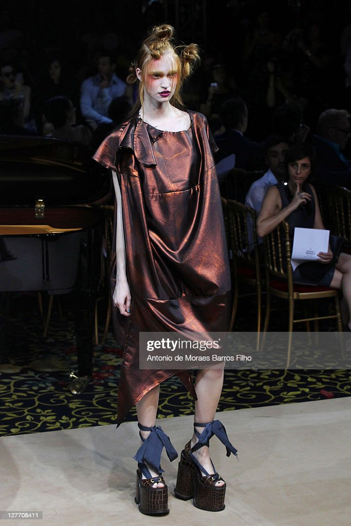 Halloween Costume 77084.A Model Walks The Runway During The Vivienne Westwood Ready To Wear