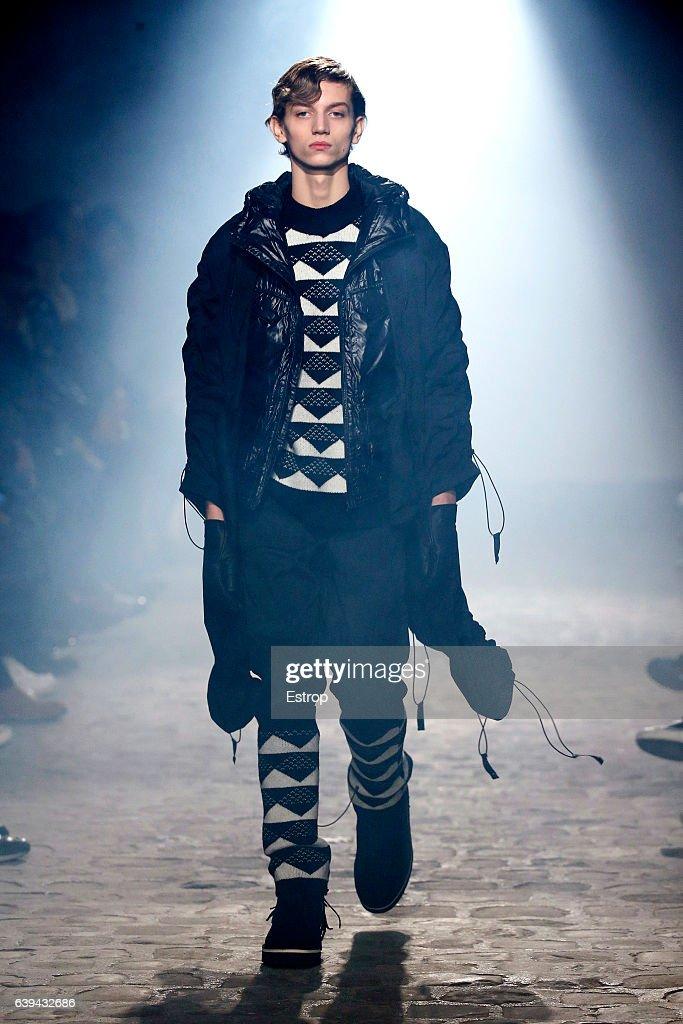 White Mountaineering : Runway - Paris Fashion Week - Menswear F/W 2017-2018 : Foto di attualità