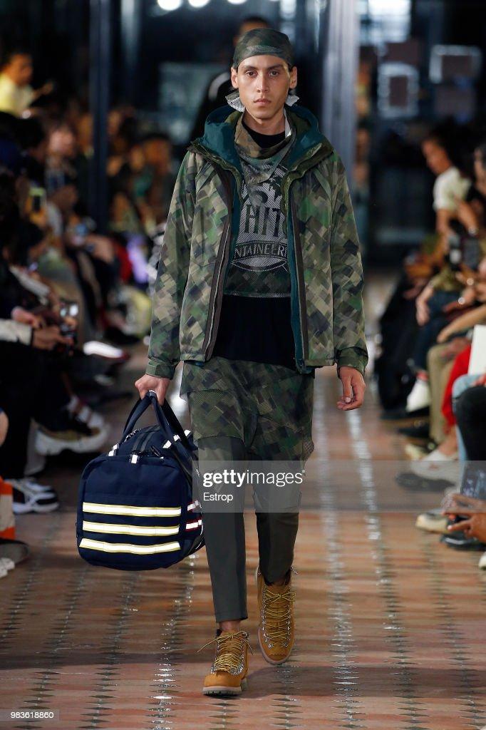 White Mountaineering: Runway - Paris Fashion Week - Menswear Spring/Summer 2019 : News Photo