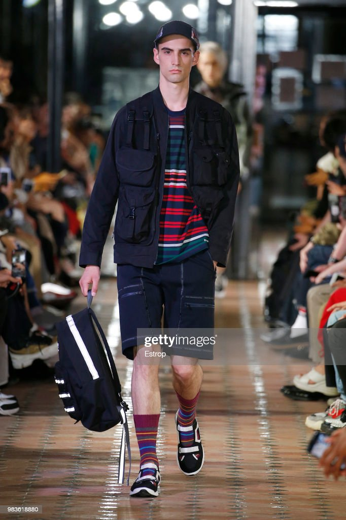 White Mountaineering: Runway - Paris Fashion Week - Menswear Spring/Summer 2019 : ニュース写真
