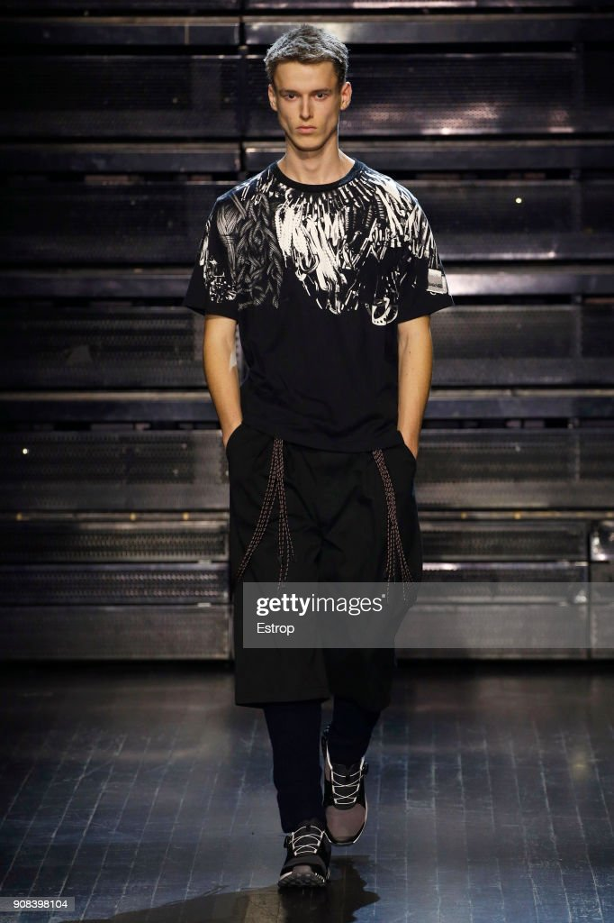 White Mountaineering : Runway - Paris Fashion Week - Menswear F/W 2018-2019 : ニュース写真