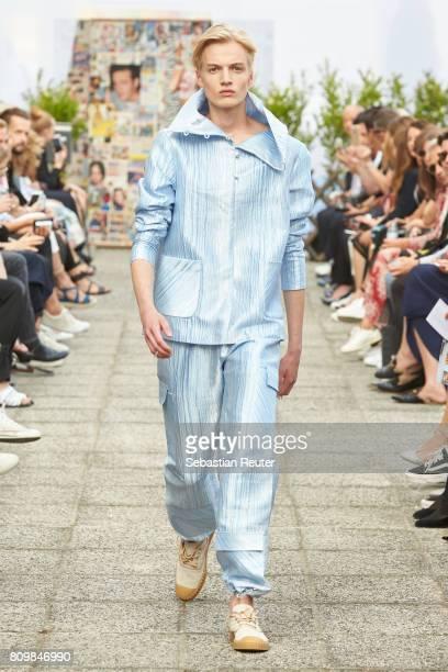 Model walks the runway during the William Fan defile during 'Der Berliner Mode Salon' Spring/Summer 2018 at Kronprinzenpalais on July 6, 2017 in...