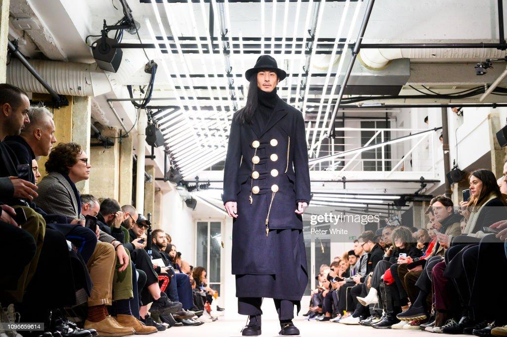 Yohji Yamamoto : Runway - Paris Fashion Week - Menswear F/W 2019-2020 : ニュース写真