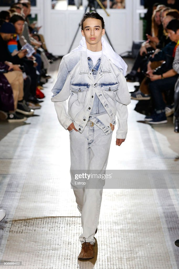 Y/Project : Runway - Paris Fashion Week - Menswear F/W 2018-2019 : ニュース写真