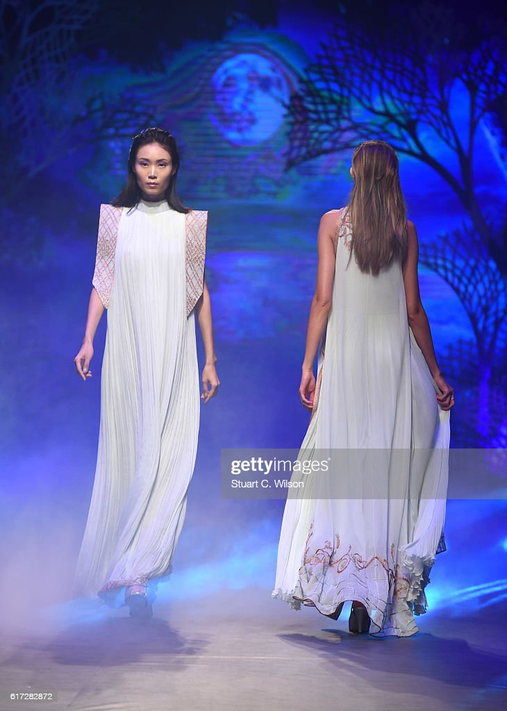 A model walks the runway during the Zareena show at Fashion Forward Spring/Summer 2017 held at the Dubai Design District on October 22, 2016 in Dubai, United Arab Emirates.