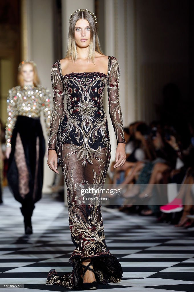model-walks-the-runway-during-the-zuhair-murad-haute-couture-fall-picture-id991662768